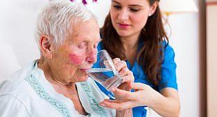 שימוש במידזולם לטיפול באי שקט חריף באנשים מבוגרים עם דמנציה